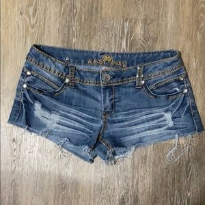 Almost Famous Distressed Denim Shorts Size…